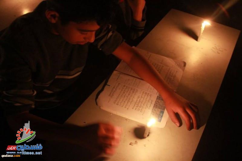 غزة.. أزمة الكهرباء تصيب القطاعات العاملة بالشلل التام