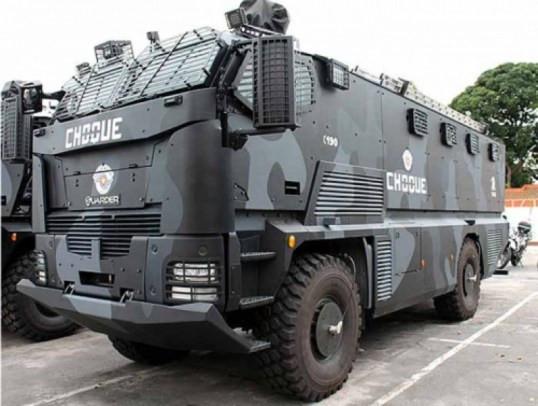 خودروهای زرهی ساخت اسرائیل در خیابانهای ریو