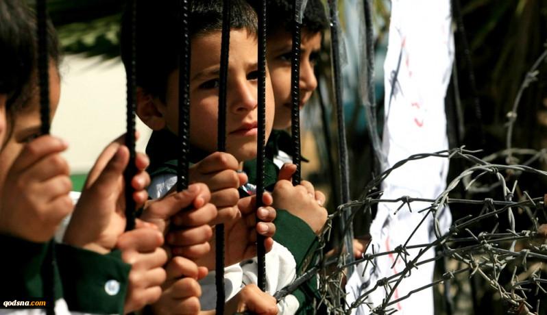 رادیواسرائیل: اسرائیل به توصیه ابومازن محاصرهغزه را تشدید میکند