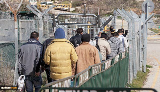 اسرائیل موضوع ورود کارگران از نوار غزه را بررسی می کند