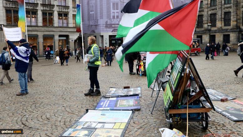 «سیمون فروفی» در چهار سال بیش از 500 تظاهرات برگزار کرد؛فعال هلندی و مبارزه چند ساله و  تک نفره با رژیم صهیونیستی + تصاویر 4