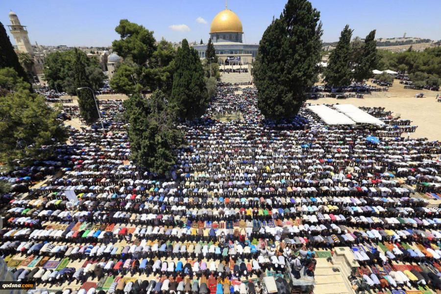 با وجود ممانعت و تدابیر شدید رژیم صهیونیستی؛نمازجمعه مسجدالاقصی با حضور 45 هزار نمازگزار برگزار شد+ تصویر 2