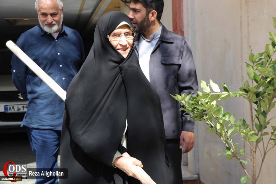 ظهر امروز انجام شد؛کاشت نهال زیتون از سوی یادگار حضرت امام خمینی(ره) در هفته درختکاری+ تصاویر 2